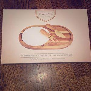 Twine Living Co wood&ceramic cheese board set